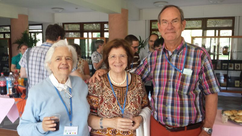 Camino Cañón entre  Peter Annegarn y una miembro del Foro de Laicos Portugués, también miembro de la Comisión Permanente del Foro de Laicos Europeo.
