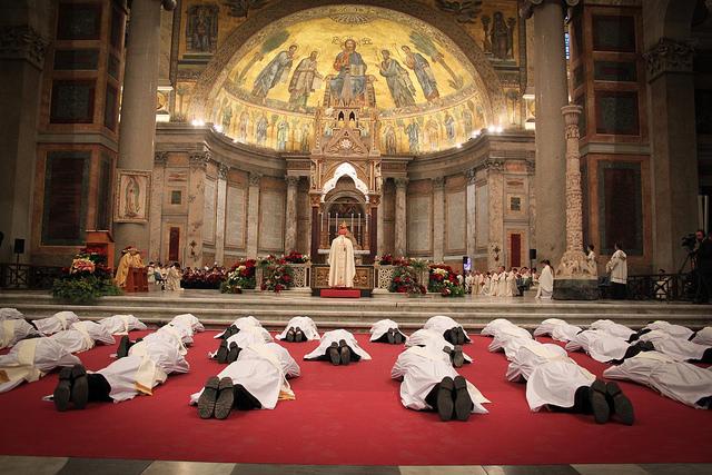 ordenaciones legionarios_letanias de los santos